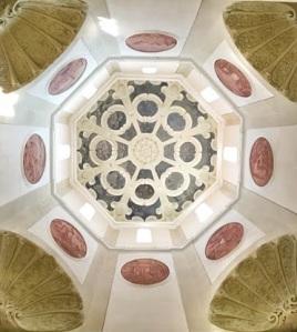 ゴシックのヴォールトと天井画