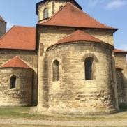 クヴェアフルト砦の土地に建ってられた教会(ロマネスク様式)