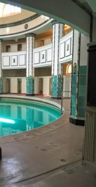 ハレザーレの公衆浴場の女性用プール