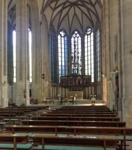 モリツ教会は三廊式(身廊+二つの側廊)の内部様式