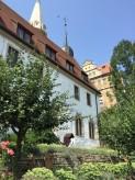 メルゼブルク大聖堂のChapter Houseの裏にある庭