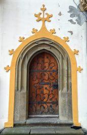 城の中庭に隣接している建物の戸
