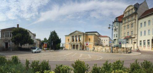 ハレ(ザーレ)オペラハウス 1945寝の三月に空車のために破壊された、1951年再びに落成式が行われた
