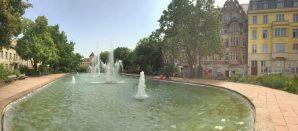 Joliot-Curie-Platz広場の噴水